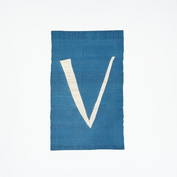【写真】【受注生産品】POWER OF INDIGO 暖簾「V」