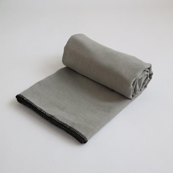 【写真】Harmony textile テーブルクロス 170×250 べトン
