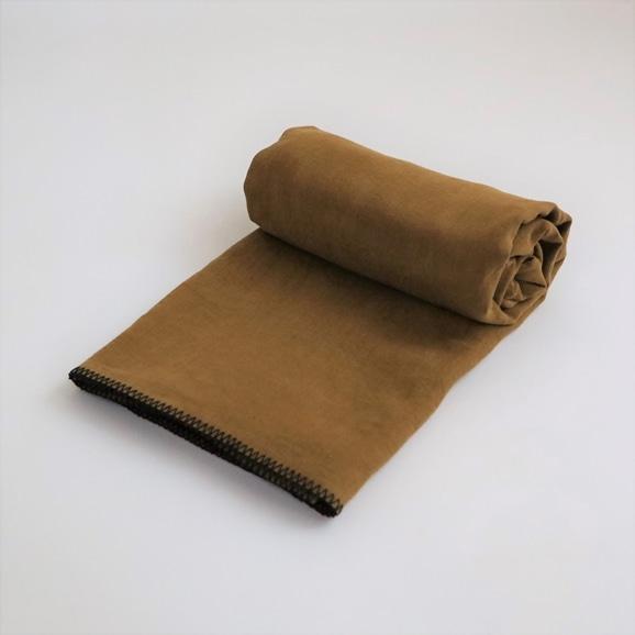 【写真】Harmony textile テーブルクロス 170×250 ブロンズ