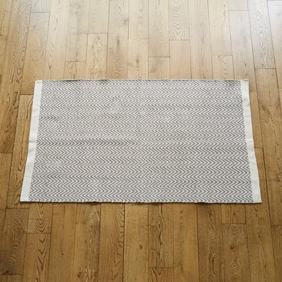 【写真】Classical Handmade Products ヘリンボーンラグ 90×150 グレー