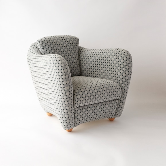 【写真】MINI MILLER ARM CHAIR × Svensson MIRA GRAY