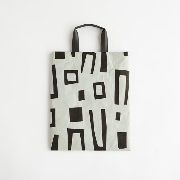 【写真】柚木沙弥郎デザイン SIWA FLATバッグ M ブロック