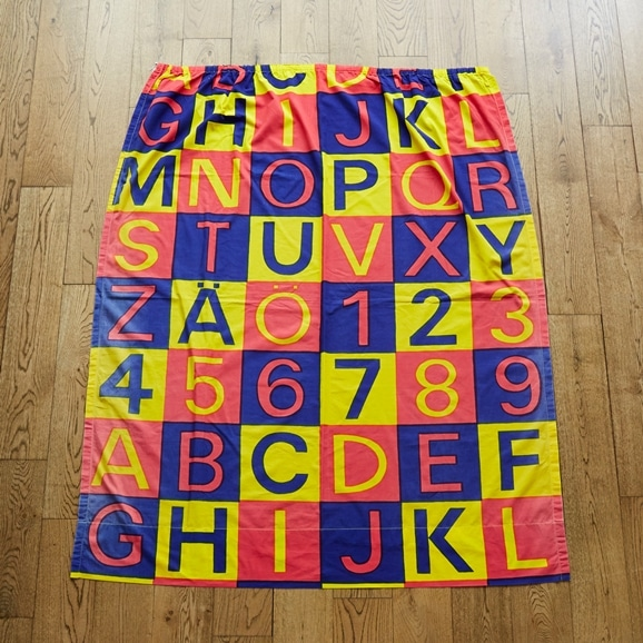 """【写真】北欧ヴィンテージテキスタイル Marimekko Kerstin Ratia """"Aapinen"""" 1968 yellow/red/bluehite"""