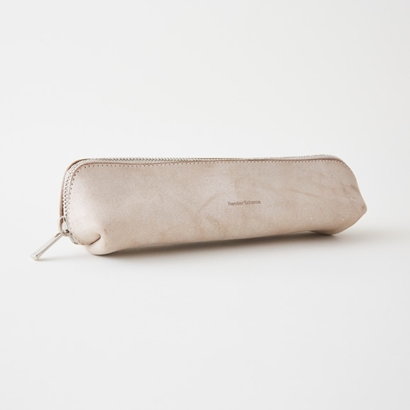 【写真】Hender Scheme lean pen case アイボリー