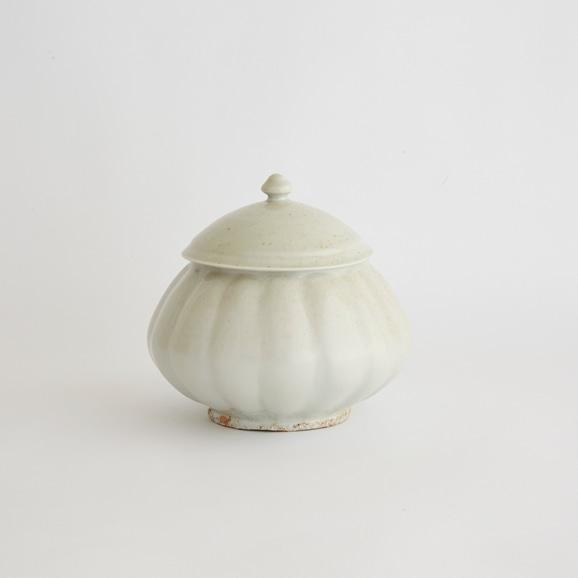 【写真】森岡由利子 白磁瓜型壷