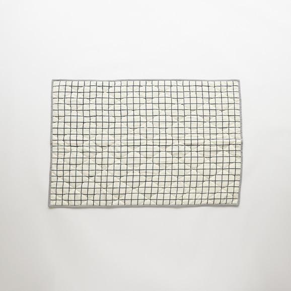 【写真】Studio Tolsta ブロックプリントキルト グリット 76×114 ネイビー