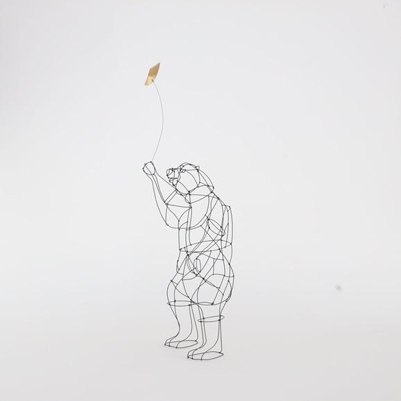 【写真】【一点物】山田一成 「月を持ったクマ (立ちポーズ)」