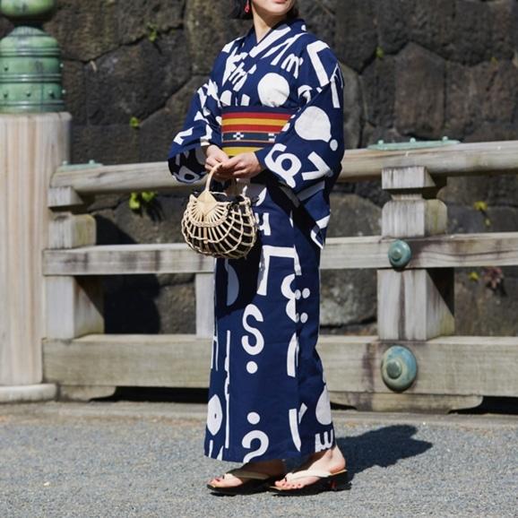 【写真】【IDEE TOKYO限定】柚木沙弥郎デザイン KUTSUROGI 浴衣 アルファベット ネイビー