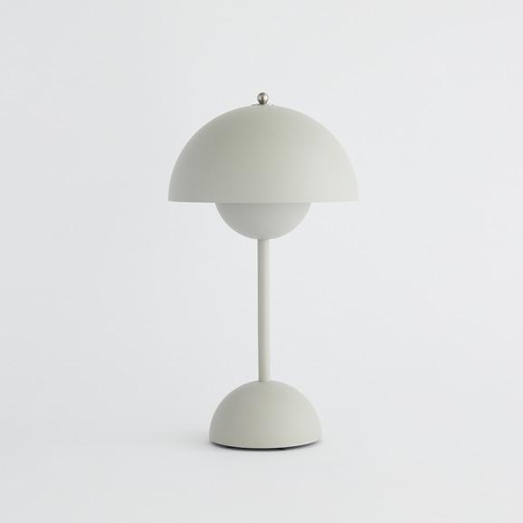【写真】FLOWERPOT PORTABLE TABLE LAMP VP9 マットライトグレー