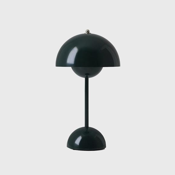 【写真】FLOWERPOT PORTABLE TABLE LAMP VP9 ダークグリーン