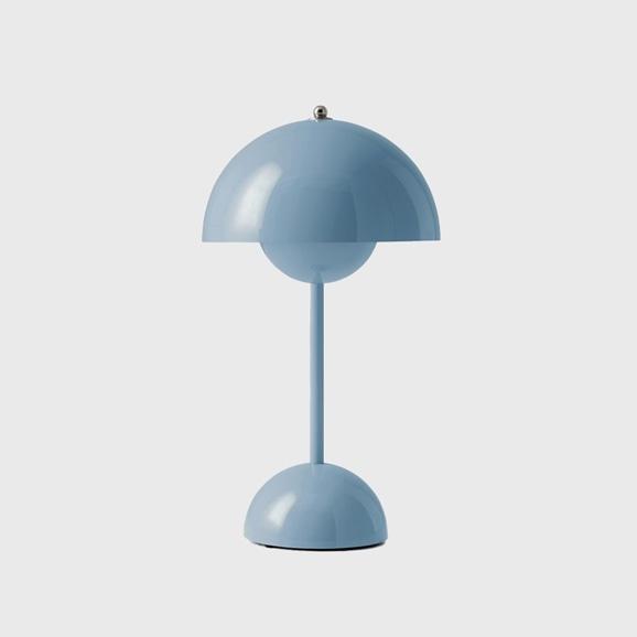 【写真】FLOWERPOT PORTABLE TABLE LAMP VP9 ライトブルー