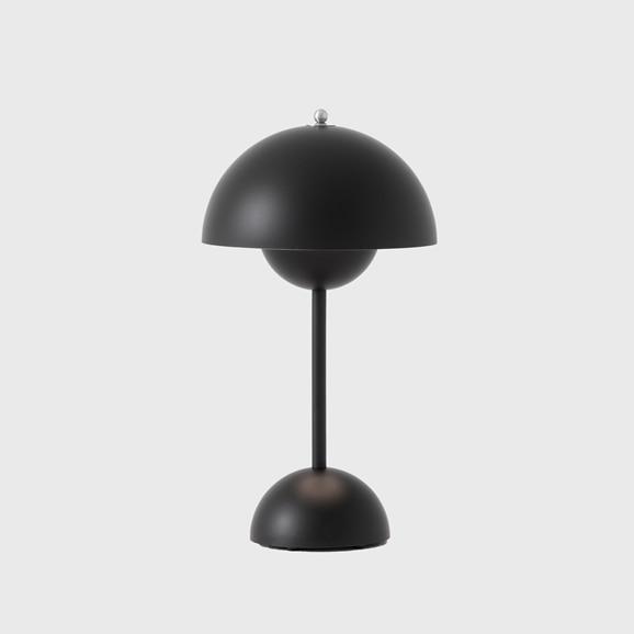 【写真】FLOWERPOT PORTABLE TABLE LAMP VP9 マットブラック