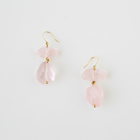【写真】sai Pierce Rose Quartz
