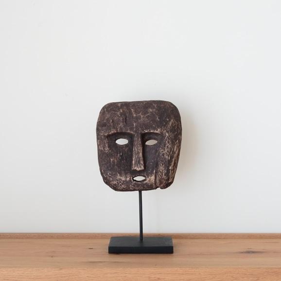 【写真】ティモール島 ウッドマスクのオブジェ