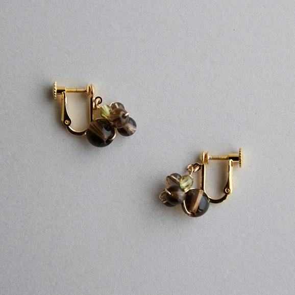 【写真】asumi bijoux asatsuyu mini earring smoky quartz