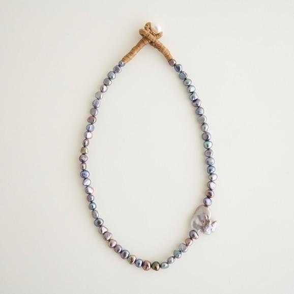 【写真】sai Necklace Gray Pearl
