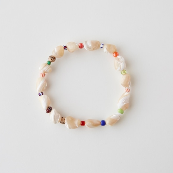 【写真】sai Bracelet Mother of Pearl & Vintage Beads