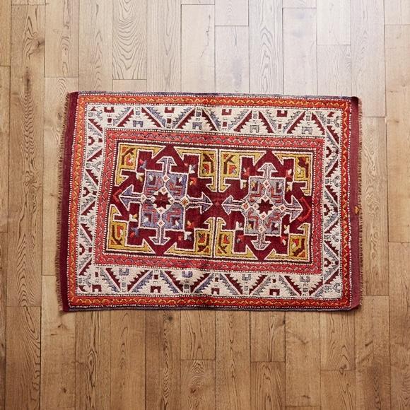 【写真】【一点物】トルコ絨毯 120×102 【584】