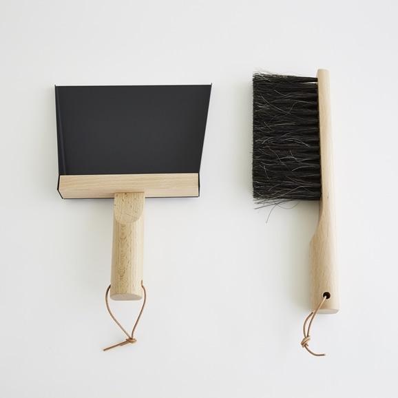 【写真】ANDREE JARDIN ブラシ & ダストパン ブラック M