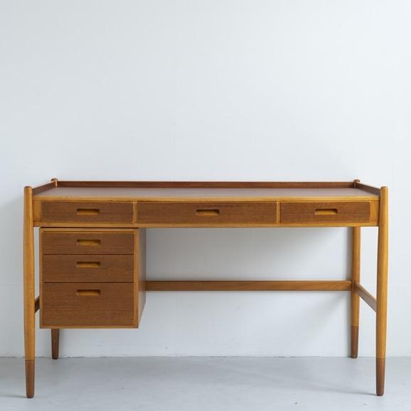 【写真】Vintage Desk