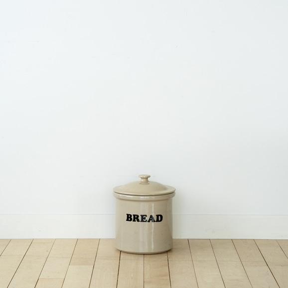 【写真】Vintage Bread Canister